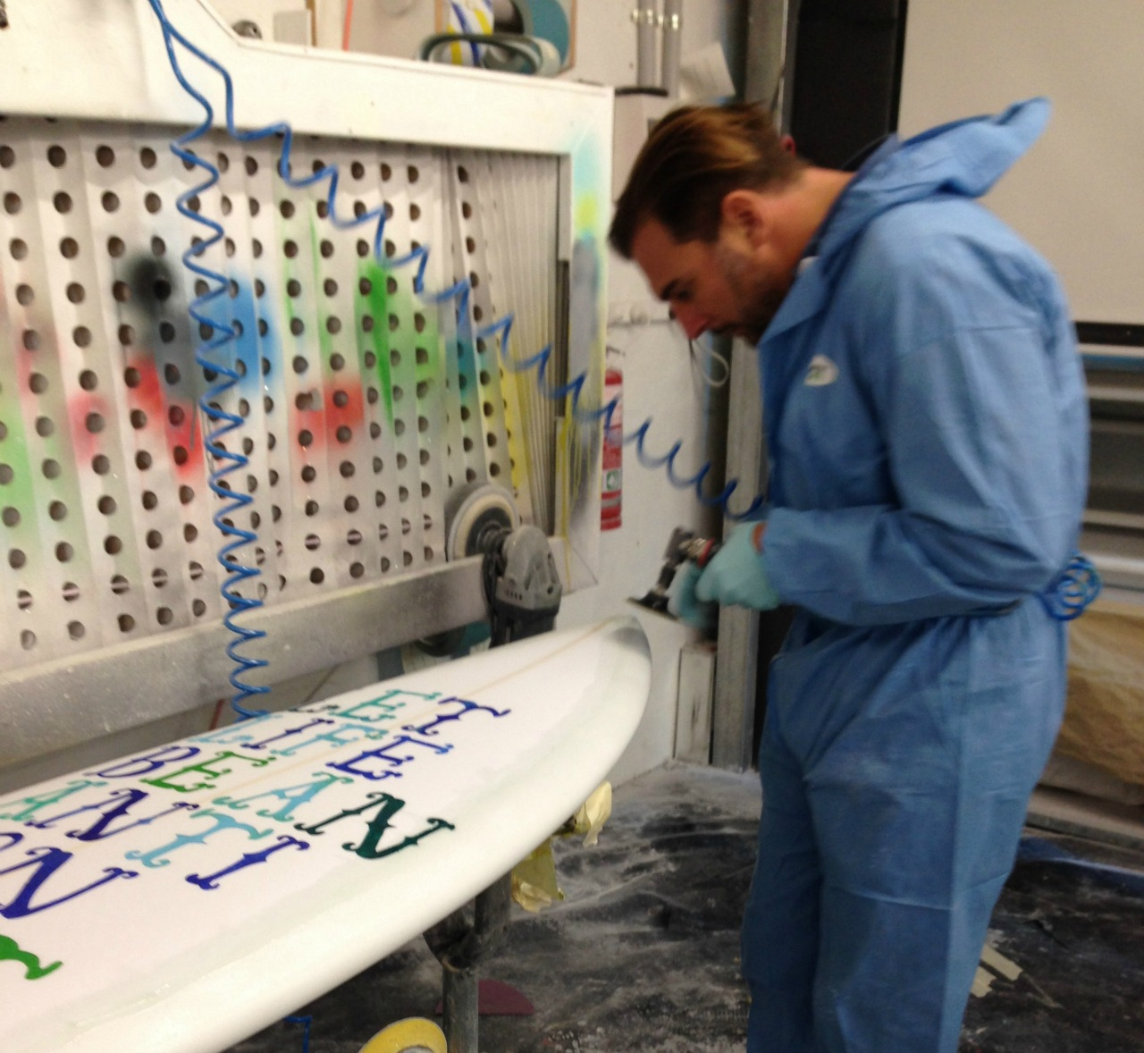 The Surfboard Studio Glassing Course 4
