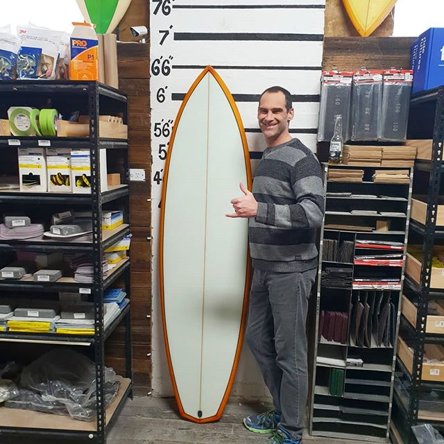 Tim whipped up this hybrid diamond tail 6'6. Did a orange  bottom tint cutlap and a black pinline. It was touch and go for a while with the tint & resin not going off but we made it at the end. Well done mate.